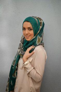 Resham collection hijab review hani hulu hijab fashion