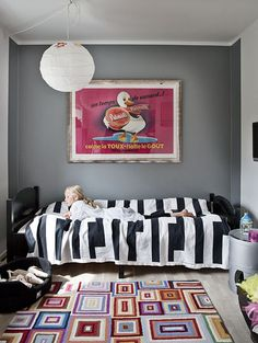 Modern teen room.  Love this.  But where would Maddie put all her collections?