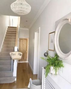 hallway decorating 355151120614510691 - Counting down to the new series of Love Island…guilty as charged 🙈 Here's a pic of the only tidy part of the house this evening and also one of my fave rooms (can you call it that? Interior Exterior, Interior Modern, Interior Design, Interior Styling, Hallway Mirror, White Hallway, Modern Hallway, Hallway Lighting, Wallpaper In Hallway