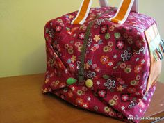 Neceser Patchwork Lunch Box, Patches, Quilting, Crafting, Handmade, Toss Pillows, Totes, Hand Made, Do Crafts