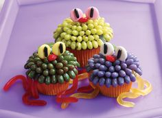 Spooky creatures have never been this tasty! Jelly Belly jelly beans and Confections make these cupcakes perfect for Halloween, or any time you want a scary treat. Credit: whatsnewcupcake (Karen Tack and Alan Richardson, authors of Hello, Cupcake! Halloween Snacks, Halloween Cupcakes, Halloween Party, Happy Halloween, Cupcake Recipes, Cupcake Cakes, Cupcake Ideas, Cup Cakes, Cupcake Art