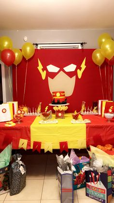 Tried to re create The Flash birthday I seen here before Flash Birthday Cake, Flash Cake, Superhero Birthday Party, 6th Birthday Parties, Boy Birthday, Red Birthday Party, Yellow Birthday, Birthday Balloons, The Flash