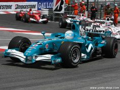 Super Yonis à participé à la plus anciennes et prestigieuses courses automobiles, le Grand Prix de Monaco. Yonis-Shop.com