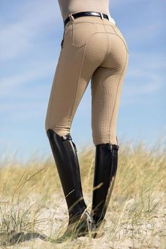 Cavallino Marino Riding Breeches Venezia Eva Flap S. Equestrian Boots, Equestrian Outfits, Equestrian Style, Equestrian Fashion, Cowgirl Boots, Western Boots, Motard Sexy, Riding Hats, Horse Riding Pants