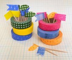 Fabricar banderitas para la comida a partir de palillos y washi tape
