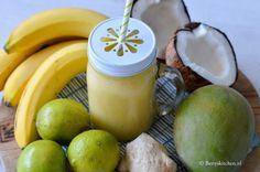 Thaise Smoothie met banaan, mango en kokosmelk