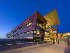 Atrisco Heritage Academy / Perkins + Will and FBT Architects | ArchDaily