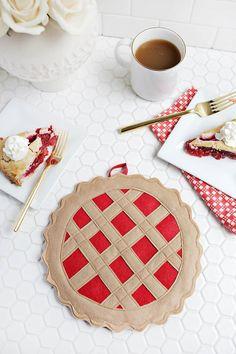 Tutorial: Cherry pie pot holder