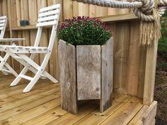 Flower pot, Blomsterkasse driftwood Flower Pots, Flowers, Driftwood, Ladder Decor, Household, Diy, Home Decor, Do It Yourself, Homemade Home Decor