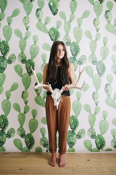 We love this wallpaper from Etsy featuring cactuses with watercolor effect.