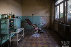A rotting dentist chair in an abandoned orphanage in Italy 1500x1000 [OC][OS]