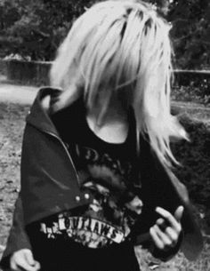 gif skulls girl Black and White fashion rock style young b&w high Grunge Teen school fun dance high school teenager Leather long hair goth wild emo blonde hair jacket metal rebel bad girl be free nastolatki liceum
