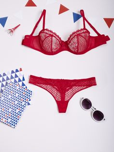 Passio Tips! Put the Adorable red bra under your white top