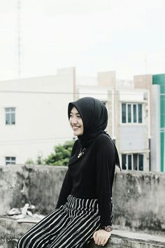 """Black is my color"" #black #girl #ootd #tumblr #hijab #style"