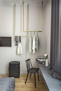 3 steg: så gör du en snygg klädstång som hänger fritt   ELLE Decoration