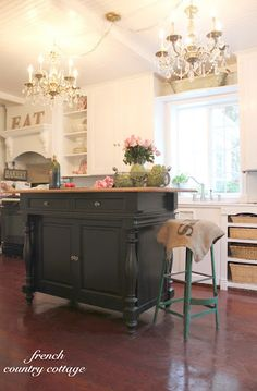 Cottage Kitchen, check out those chandeliers, gorgeous:)