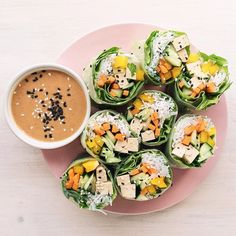 Vegan Rice Paper Rolls Vegan Rice Paper Rolls, Rice Rolls, Vegetarian Recipes, Delicious Recipes, Savory Snacks, Everyday Food, Yummy Eats, Aesthetic Food, Food Inspiration