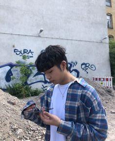 He look good in blue 👀 psh what am I saying he look good in everything Sam King, Korean American, Korean Artist, Korean Music, Special People, Kpop Fashion, American Singers, Boyfriend Material, Korean Actors