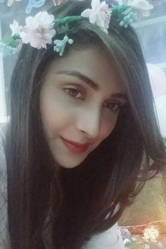 sarmadgardezi.com AYEZA KHAN'S SURPRISE BIRTHDAY PARTY Pakistani Girl, Pakistani Actress, Pakistani Dresses, Respect Girls, Beautiful Muslim Women, Ayeza Khan, Head Jewelry, Pakistan Fashion, Best Actress