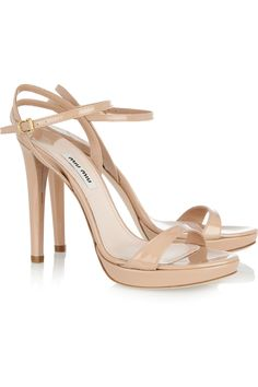 Nude shoes make my heart flutter. They are just perfect with everything and anything. I definitely need this style.