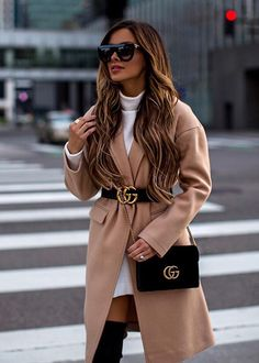 Gucci belt over camel coat Belt Bag Outfit Belt camel Coat Gucci Winter Fashion Outfits, Fall Winter Outfits, Look Fashion, Autumn Fashion, Gucci Fashion, Workwear Fashion, Gucci Outfits, Mode Outfits, Night Outfits