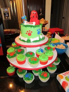 Clifford Cake  on Cake Central