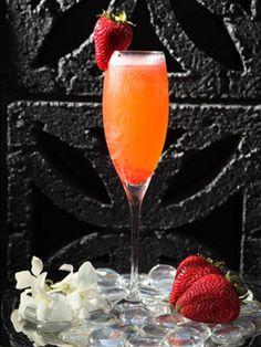 Perrier-Jouët Fraise Sauvage    2 oz. Perrier-Jouët Grand Brut  1 1Ž4 oz. Absolut Vodka  3Ž4 oz. fresh squeezed lemon juice  1Ž4 oz. simple syrup  1 whole strawberry