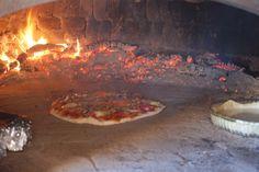 Ons voorbeeld: de pizzaoven van Pierre Table D Hote, Penne, Restaurant, Home Decor, Greedy People, Decoration Home, Room Decor, Diner Restaurant, Restaurants