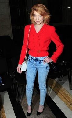 In love with this bright red top, combined with the acid wash jeans . so chic - Nicola Roberts ticks the boxes again! Nicola Roberts, Project Red, Acid Wash Jeans, Dye My Hair, Celebs, Celebrities, New Wardrobe, Dressmaking, Pretty People