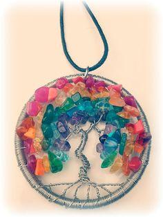 Gay Pride / plata arco iris de color cobre alambre envuelto colgante de árbol de la vida.