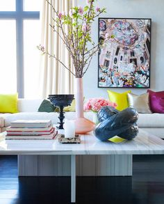 Jamie Drake's NYC Apartment. I mean, have you ever seen a more elegant coffee table?