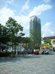 Tower apartment.   Takanawa,Minato-ku.