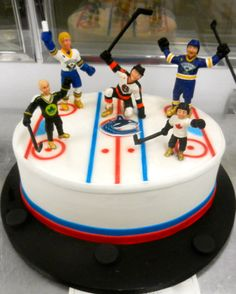 Hockey cake Put figures on top? Hockey Birthday Cake, Hockey Birthday Parties, Hockey Party, Cupcake Birthday Cake, 8th Birthday, Cupcakes, Cupcake Cookies, Hockey Cakes, Gateaux Cake