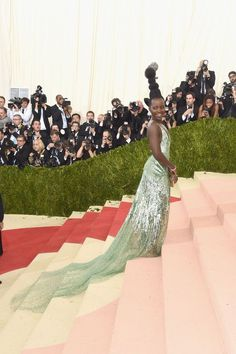"The 2016 Met Gala red carpet was a giant 404 Error.  This year's Apple-sponsored fashion event boasted a ""technology theme,"" but the metallic couture looks were more rusted than red carpet ready.   SEE ALSO: Met Gala 2016: See all the high-tech, high-fashion looks here  Here are the celebrities"