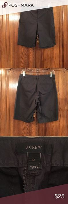 """NWOT J. Crew Slate Gray Bermuda Shorts Size 0 made of 98% cotton and 2% spandex. It measures approximately 15""""flat at the waist and the rise measures approximately 9""""flat and the hips measure approximately 16.5""""flat. The inseam measures approximately 10""""long J. Crew Shorts Bermudas"""