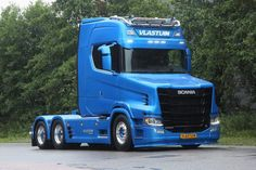 Scania S750T.
