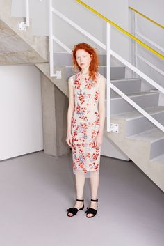 Jonathan Saunders Resort 2016...pair with some old-Hollywood curls, black suede pumps and a red lip, done-RUNWAY