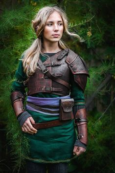 Hylian Leather Armor Replica from The Legend of Zelda: Breath of the Wild video game for Larp&fantasy enthusiasts handcrafted custom made by IronWoodsShop Leather Bracers, Landsknecht, Fantasy Armor, Character Outfits, Legend Of Zelda, Costume Design, Cosplay Costumes, Pirate Costumes, Perfect Fit
