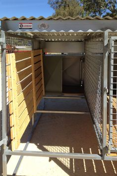 Hottest No Cost www. Suggestions The utilization of a dog kennel happens to be a significant stage of argument in the dog's attitud Dog Kennel Roof, Big Dog Kennels, Dog Kennel Designs, Kennel Ideas, Luxury Dog House, Dog Washing Station, Airline Pet Carrier, Buy A Dog, Large Dog Breeds
