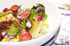 Ensalada de cogollos y rabanitos a la plancha. Gastronomiaycia.com