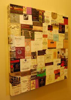 120 etiquetas de vino hechas cuadro.. linda idea para un negocio, vinería...