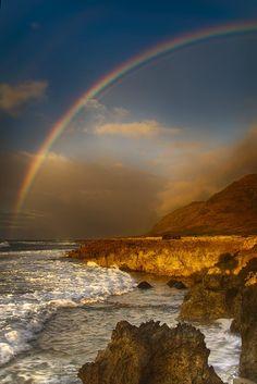 ~~Where There's Rain There's Rainbows ~ a stormy sky and crashing ocean waves, Oahu, Hawaii by shauntokunaga~~vma. Rainbow Sky, Over The Rainbow, Hawaiian Rainbow, Beautiful World, Beautiful Places, Beautiful Pictures, All Nature, Amazing Nature, Somewhere Over