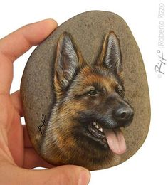 The Face of a German Shepherd Dog Painted on a Flat Rock by the Sea (fr) Hand Painted Stunning Stone Art by Roberto Rizzo, Painted Rock Animals, Hand Painted Rocks, Painted Stones, Dog Face Paints, Art Rupestre, Art Pierre, Parrot Pet, Rock Hand, Pet Rocks