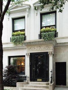 city, nyc, apartment. Black Door, Black Trim, Dream Apartment, Apartment Chic, York Apartment, Manhattan House, Manhattan Apartment, London Townhouse, Nyc Brownstone
