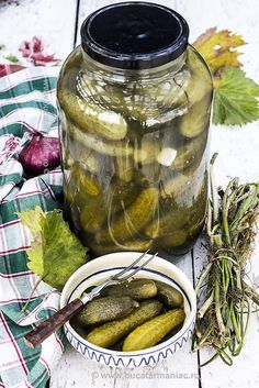 Good Food, Yummy Food, Romanian Food, Celery, Pickles, Cucumber, Food And Drink, Favorite Recipes, Healthy Recipes