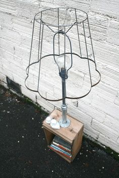 industrial lamp table, just lovely...