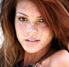 Friday's Freckle Face: Jade Thompson (biracial -black/white) winner of Britain & Ireland's Next Top Model in She was teased for her looks, being a ginger, freckles, tall, skinny and. Beautiful Freckles, Beautiful Red Hair, Beautiful Redhead, Beautiful People, Gorgeous Girl, Beautiful Beautiful, Britain's Next Top Model, Foto Face, Redheads Freckles