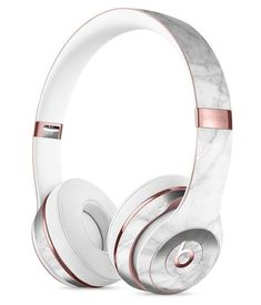 White Scratched Marble Full-Body Skin Kit for the Beats by Dre Solo 3 Wireless Headphones - Gadgets Beats By Dre, Cute Headphones, Wireless Headphones, Bluetooth, Beats Earbuds, Workout Headphones, Skullcandy Headphones, Accessoires Iphone, Rose Gold Marble