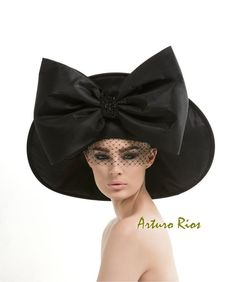Black Couture Hat, Avant garde hat, Fashion hat, black hat with bow, Derby hat Crazy Hats, Fascinator Hats, Fascinators, French Silk, Fancy Hats, Big Hats, Maxi Robes, Kentucky Derby Hats, Church Hats