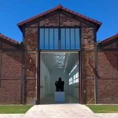 Antony Gormley: Second Body at Galerie Thaddaeus Ropac http://mymagicalattic.blogspot.com.tr/2015/03/antony-gormley-second-body-at-galerie.html